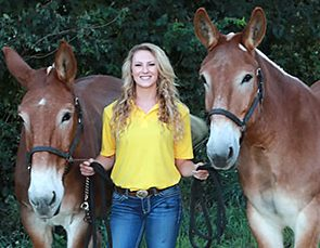 Florman Scholarship recipient Carley Brucks flanked by the Mizzou College of Veterinary Medicine Mule Team, Terry (right) and Tim