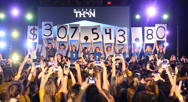 Students celebrate the MizzouThon
