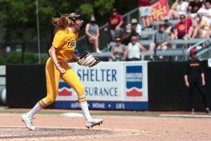 A photo of Jordan Weber pitching